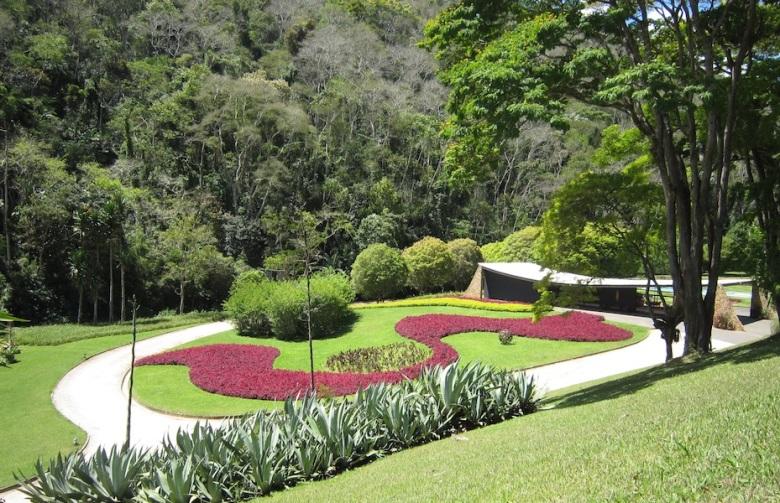 14 Burle-Marx-Edmundo-Cavanelas-garden